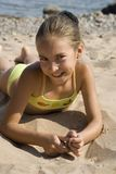 Fille sur la plage III photo stock