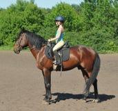 Fille sur le cheval Photo libre de droits