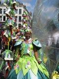 Fille sur le défilé carnaval Photographie stock libre de droits