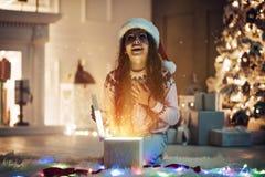 Fille sur le ` s Ève de nouvelle année photographie stock libre de droits