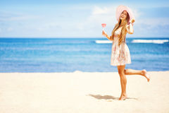 Fille sur une plage Photo stock