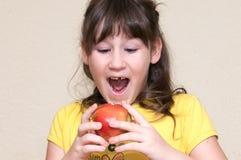Fille tombée sa dent Image libre de droits