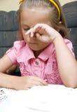 Fille triste ou fatiguée Photographie stock libre de droits