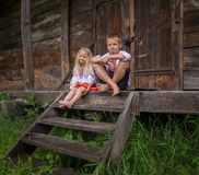 Fille ukrainienne dans la robe traditionnelle - souriant Photographie stock