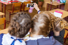 Filles aux bureaux d'école Images libres de droits