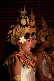 Filles cambodgiennes de danse Photo stock