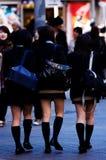 Filles d'école de Tokyo Photos libres de droits