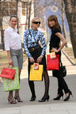 Filles d'achats Photo stock