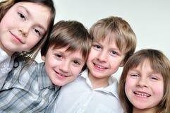 Filles de camarades de classe et d'amis heureux Photos libres de droits
