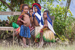 Filles de Dani dans le village d'Ugem Photographie stock