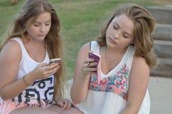 Filles de l'adolescence blondes Images libres de droits