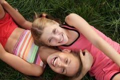 Filles de la préadolescence heureuses Images libres de droits