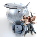 Filles voyageant à l'étranger Image libre de droits