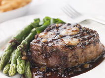Fillet of Beef Bordelaise with Asparagus Spears. And Saut Potatoes stock photography
