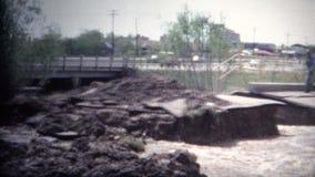 (film de 8mm) inondation 1968 de Boulder le Colorado banque de vidéos