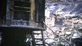 (film de 8mm) machine concrète 1954 de bâtiment de barrage banque de vidéos