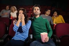 Film de observation de couples dans le théâtre Images libres de droits