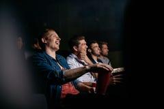 Film de observation de comédie des jeunes dans le théâtre Photo libre de droits