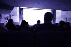 Film de observation de personnes photo libre de droits