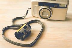 Film de photo dans l'appareil-photo de cartouche et de film photos libres de droits