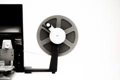 Film der Weinlese 8mm, der den Desktop in Schwarzweiss redigiert Lizenzfreies Stockfoto
