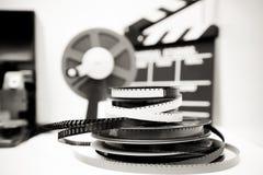Film du vintage 8mm éditant le bureau en noir et blanc Image libre de droits