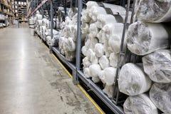 Film en petits pains dans un entrepôt images libres de droits