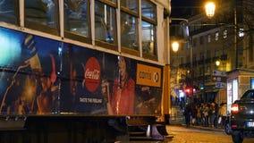 Film- Gesamtlänge von Praca Luis de Camoes nachts Lissabon zentral stock footage