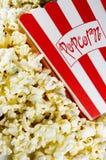 Film-Popcorn Lizenzfreie Stockbilder