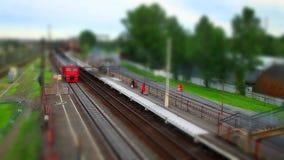 Film van de de tijdspanneschuine stand van de trein de naderbij komende tijd stock videobeelden