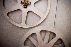 Film wirbelt Teil mit Stehfilm auf 16 Millimeter-Filmprojektordetail Lizenzfreies Stockfoto