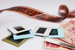 Filma och glidbanor royaltyfri bild