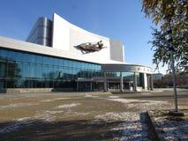 Filme o ` do espaço do ` do teatro do concerto na terraplenagem do rio Iset, Yekaterinburg Foto de Stock