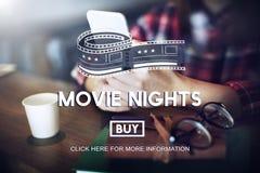 Filmen etiketterar på nätterna begrepp för åhörarebioteater arkivbild