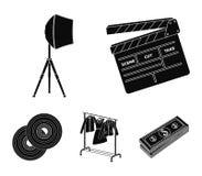 Filmer, disketter och annan utrustning för bion Symboler för samling för danandefilmuppsättning i svart materiel för stilvektorsy royaltyfri illustrationer