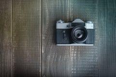 Filmkamera auf den Brettern Stockbilder