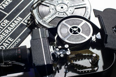 Filmkamera med det öppna locket royaltyfri bild