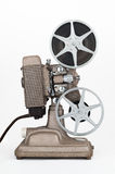 filmprojektor för mm 8 med filmrullar Arkivfoto