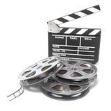 Filmspoelen en de raad van de filmklep Videopictogram 3d geef terug Royalty-vrije Stock Afbeelding
