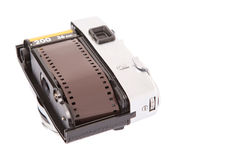 Filmstreifen innerhalb alter Retro- Kamera III Lizenzfreie Stockfotografie