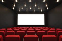 Filmtheater mit leerem Bildschirm lizenzfreie stockbilder
