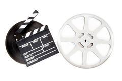 Filmu clapper na 35 mm kinowych ekranowych rolkach odizolowywać Obraz Royalty Free