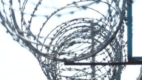 Filo sulla rete fissa Recinto della prigione video d archivio