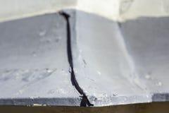 Filon-couche faisant le coin de fenêtre en métal photo libre de droits