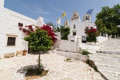 FILOTI, GRÉCIA - EM MAIO DE 2018: Igreja velha de Filoty na ilha de Naxos Grécia Imagens de Stock