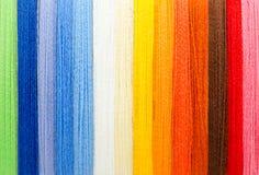 Fils colorés de laine Photo stock
