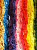 Fils colorés par coton pour la broderie Image libre de droits