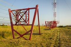 Fils de communication à la tour Liblice d'émetteur radioélectrique dans la République Tchèque Images libres de droits