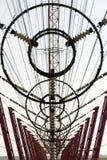 Fils de communication à la tour Liblice d'émetteur radioélectrique dans la République Tchèque Photos libres de droits