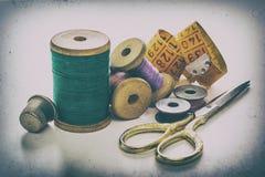 Fils de couture, bobines Photos stock